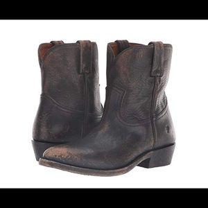 Billy short boot retro feel
